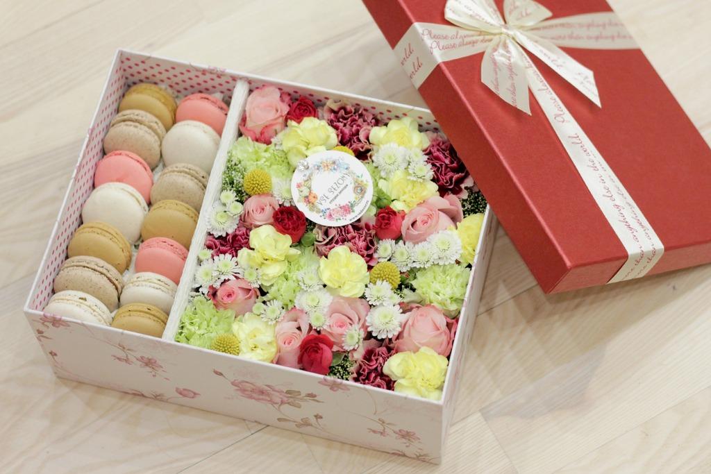 Цветы в коробке с макаронами своими руками